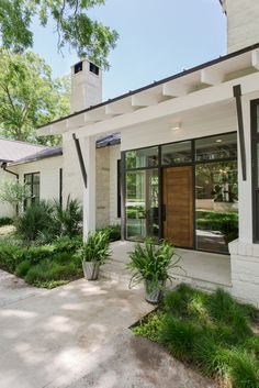43 Modern House Exterior Design Ideas To Copy Rigth Now Style At Home, Front Door Entrance, Front Entry, Door Entry, Entrance Ideas, House Entrance, Door Ideas, Front Porch, Modern Entrance