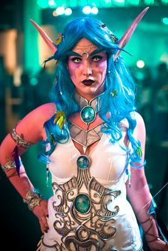 Stunningly, breathtakingly amazing World of Warcraft Night Elf cosplay. I'm blown away. THIS is how it's done! :D