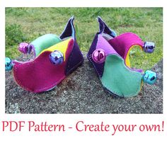 Bright and Fun Jester Booties PDF pattern for babies 3-16 months (size 3 - 6).  INSTANT DOWNLOAD.