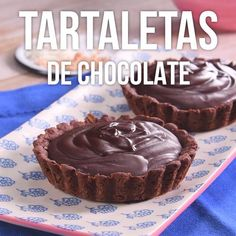 Prueba estas deliciosas tartaletas de chocolate, preparadas de una manera sencilla y rápida. Sweet Recipes, Cake Recipes, Dessert Recipes, Quick Dessert, Dishes Recipes, Delicious Desserts, Yummy Food, Delicious Chocolate, Chocolate Desserts