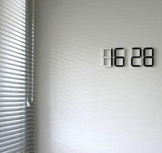 black &White Clock2