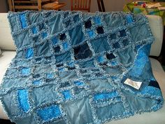 Jean Rag Quilt by twolittlemagpies, via Flickr  http://www.flickr.com/photos/39841537@N02/galleries/72157623182997064