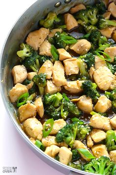 12-Minute Chicken and Broccoli by gimmesomeoven. Fast, flavorful, fresh, and healthy. #Chicken #Broccoli #Stir_Fry #Healthy #Light #Fast