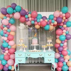 this set up by @stylish_events_decorations with our organic balloon arch. What a gorgeous pop of colours #Repost @stylish_events_decorations ・・・ A cute birthday setup. Setup & styling @stylish_events_decorations Props @partyatmosphere Balloons @partysplendour Cake @razzledazzlecakes Desserts @sweetsbypierra #partysplendour #balloons #balloonssydney #sydneyballoons #balloonarch #beautifulballoons