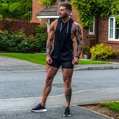 Black white and a touch of brown 👌 what do you think to this oufit? Sport Style, Sport Fashion, Mens Fashion, Fashion Outfits, Men Tumblr, Inked Men, Sport Shorts, Attractive Men, Going To The Gym