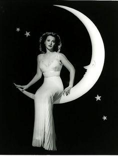Hedy Lamarr in The Heavenly Body (1944). Beautiful!