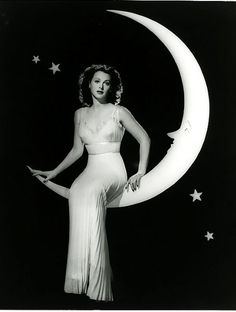 Hedy Lamarr in The Heavenly Body (1944). Beautiful!