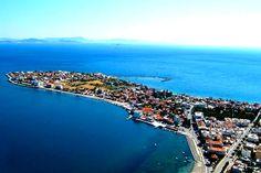 "Dikili / İzmir ""Kafasına göre takılan bir görünüm çizen Çandarlı"" Holiday Destinations, Travel Destinations, Tomb Kings, Most Visited National Parks, Marmaris, Turkey Travel, Black Sea, Months In A Year, Natural Wonders"