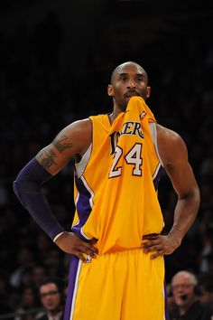 The Hottest Guys of the NBA - Kobe - Basketball Kobe Bryant Family, Lakers Kobe Bryant, Young Kobe Bryant, Nba Sports, Basketball Players, Basketball Hoop, Basketball Scoreboard, Houston Basketball, Basketball Socks