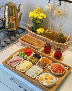 Breakfast Presentation, Food Presentation, Cooking Recipes, Healthy Recipes, Food Displays, Food Decoration, Food Platters, Aesthetic Food, Food Cravings