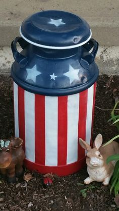44 Useful Repurpose ideas For Vintage Milk Can Balcony Decoration Ideas in Eve . 44 Useful Repurpose ideas For Vintage Milk Can Balcony Decoration Ideas in Eve Balcony Americana Crafts, Patriotic Crafts, July Crafts, Antique Milk Can, Vintage Milk Can, Fourth Of July Decor, 4th Of July Decorations, July 4th, Diy Crafts For Adults