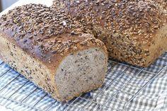Er du glad i godt hjemmebakt brød? Da kommer du til å elske disse brødene! Norwegian Food, Norwegian Recipes, Our Daily Bread, Recipe Boards, Croissants, Bread Recipes, Banana Bread, Rolls, Food And Drink