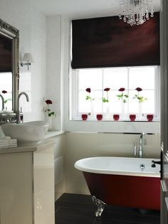 En Suite Master Bathroom In The Townhouse Luxury Mayfair Hotel