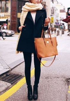 easy to replicate: skinnies, peacoat, scarf & oversized bag. Love this look.