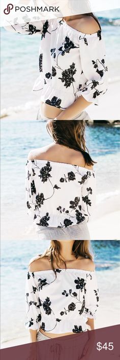 Off the Shoulder Floral Print Short Blouse Product Details Material:Polyester Clothing Length:Short Sleeve Length:Three Quarter Collar:Off The Shoulder Pattern Type:Print Style:Fashion Weight:0.114kg Package Contents:1 x Blouse Tops Blouses