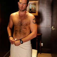 Sullivan Stapleton Strike Back Shirtless Photo Hairy Hunks, Hairy Men, Divas, Sullivan Stapleton, Australian Actors, Hottest 100, Hommes Sexy, Gorgeous Men, Sexy Men