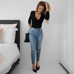 "2,580 Likes, 13 Comments - Lydia Rose (@fashioninflux) on Instagram: ""New to the blog - denim & my favourite flats www.fashioninflux.co.uk"""