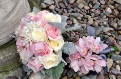 roses_flowers_bouquet_brooch_pebbles_35288_1900x1250.jpg