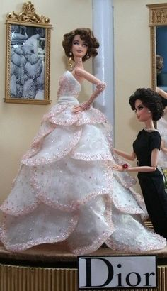 Barbie in Dior's New Look gowns! Wedding Doll, Barbie Wedding, Barbie Dress, Barbie Clothes, Barbie Outfits, Prom Dress, Manequin, Bride Dolls, Pink Gowns