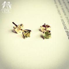Bông tai Vàng 14K đính Đá quý tự nhiên Peridot thiết kế theo phong cách trang sức cổ điển & sang trọng