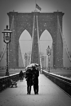 bluepueblo:    Snowy Day, Brooklyn Bridge, New York City  photo via ana