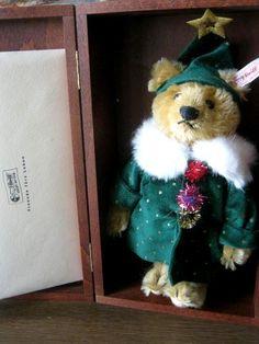 Steiff Little Santa Christmas Teddy Bear 2001 Japan Limited with Wooden Box