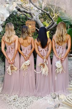 Shop our Lauren Tie Maxi Dress in beautiful neutrals! Your bridesmaids will love the simple silhouette with a tie bow back and empire waist. This is the bohemian bridesmaid dress you& been searching for. Plan your best day ever with Mumu Weddings! Bohemian Bridesmaid, Summer Bridesmaid Dresses, Long Summer Dresses, Wedding Dresses, Bridesmaid Colours, Wedding Colours, Wedding Bridesmaids, Mumu Wedding, Malva