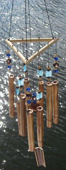 Decorate Your Home With Creative DIY Bamboo Crafts - Alles über den Garten Diy Bamboo, Bamboo Poles, Bamboo Art, Bamboo Crafts, Wood Crafts, Bamboo Ideas, Diy Wood, Bamboo Wind Chimes, Diy Wind Chimes