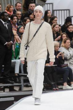 Chanel at Paris Fashion Week Fall 2017 - Runway Photos Fashion Week, Fashion Show, Fashion Looks, Mens Fashion, Fashion Outfits, Fashion Design, Paris Fashion, Fashion Trends, Chanel Men