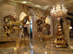 Probably the most beautiful luxury hotel Christmas 2013/14 decorations - Four Seasons Hotel George V, Paris (by Jeff Leatham)