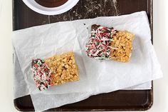 Small Batch Peanut Butter Rice Krispie Treats made in a loaf pan then dipped in chocolate make an easy no bake dessert. Peanut Butter Rice Crispies, Rice Krispies, Rice Crispy Treats, Krispie Treats, Chocolate Dipped, Chocolate Peanut Butter, Easy No Bake Desserts, Dessert Recipes, Sugar Free Lemon Curd