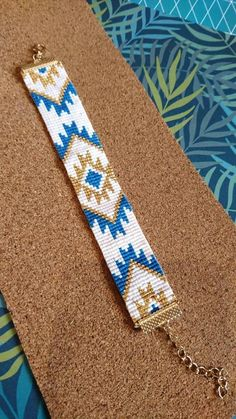 off loom beading stitches Native Beading Patterns, Seed Bead Patterns, Beaded Jewelry Patterns, Loom Bracelet Patterns, Bead Loom Bracelets, Seed Bead Jewelry, Bead Jewellery, Tapete Floral, Motifs Aztèques