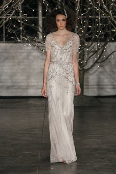 Channel old Hollywood glamour in this fabulous beaded and sequined Jenny Packham wedding gown {photo: Dan Lecca}