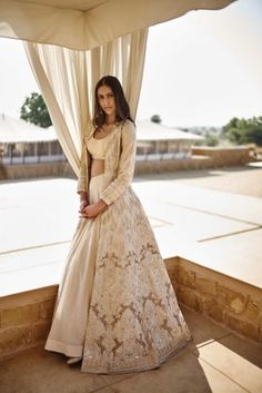 Wedding gowns indian anarkali anita dongre New Ideas Indian Wedding Gowns, Indian Gowns Dresses, Indian Bridal, Indian Wedding Fashion, Eid Dresses, Anita Dongre, Jaisalmer, Indian Anarkali, Indian Designer Suits