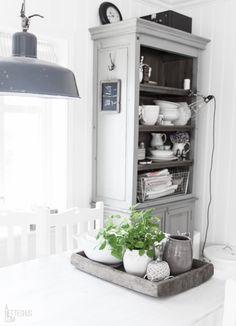that grey shelf! anneteshus.com