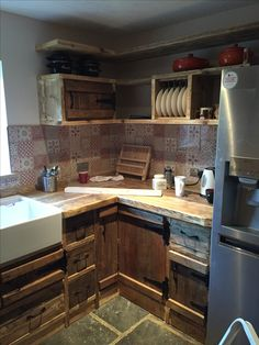 Scaffolding board and pallet kitchen