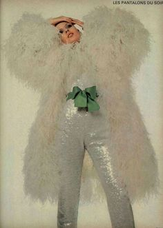 Yves Saint Laurent and Desings 60s And 70s Fashion, Look Fashion, Vintage Fashion, Vintage Vogue, Patti Hansen, Christian Dior, Lauren Hutton, Yves Saint Laurent, Mode Vintage