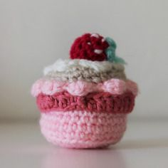 Gateau cup cake amigurumi fraise