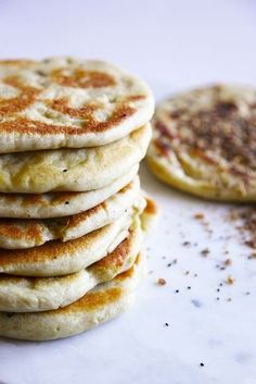 Mentions FREEZING these and reheating in pan : Lebanese Flat Bread - simple, convenient food, perfect for freezing, super tasty. Lebanese Cuisine, Lebanese Recipes, Middle East Food, Middle Eastern Recipes, Falafels, Lebanese Flat Bread, Arabian Food, Little Lunch, Eastern Cuisine