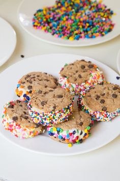 How to Make the Perfect Ice Cream Sandwich! #CHIPSAHOY #SweetSummertime #ad | 5DollarDinners.com