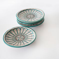 Vintage Patterned Moroccan Safi Plate White Patterns, Vintage Patterns, Moroccan Plates, Minimal Kitchen, Vintage Plates, Decorative Bowls, Im Not Perfect, Blue And White, Hand Painted