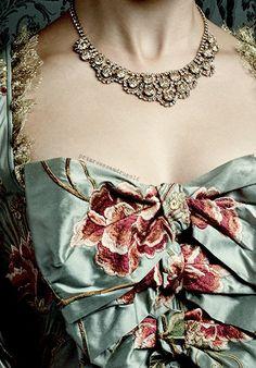 Louise de Rohan https://www.pinterest.se/lovebooksabove/outlander-jewellery/
