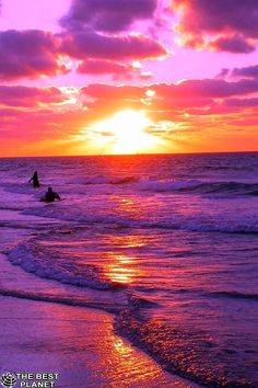 Wallpaper of Beautiful Sunset & Sunrise sea View Scenery Backgrounds for Mobile Phone & Hand Phone such as iPhone and Android Phone & Tablet Devices. Purple Sunset, Sunset Beach, Beach Fun, Sunset Sky, Playa Beach, The Beach, Pink Purple, Amazing Sunsets, Amazing Nature