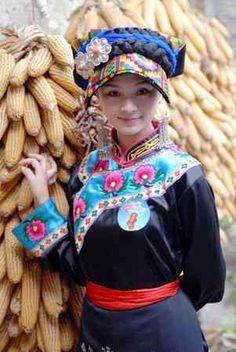 とてもかわいい世界の民族衣装                                                                                                                                                                                 もっと見る