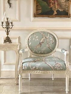 French Louis XVI fauteuil with immaculate carving Louis Xvi, Louis Xv Chair, Art Deco Furniture, Luxury Furniture, Modern Furniture, Furniture Design, Light Art, Lamp Light, French Style Chairs