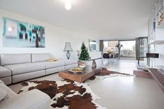 gietvloer & bank Amsterdam, Van, Table, Furniture, Home Decor, Decoration Home, Room Decor, Tables, Home Furnishings