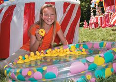 Duck Matching Game | Fill your own pool with water and then add the ducks for a fun and easy DIY carnival game! #carnival