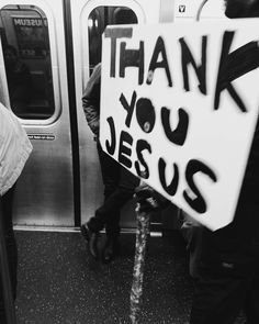 "30 Me gusta, 1 comentarios - Pierpaolo Cervetti (@piercervetti) en Instagram: ""Thank you Jesus  #streetphotography #love #people #newyork #huaweip9 #huawei #lights #monochrome…"""
