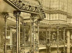 """Printemps Haussmann Paris - in 1907, the architect René Binet starts the construction of the """"Nouveaux Magasins"""" (the actual Printemps Mode)."""