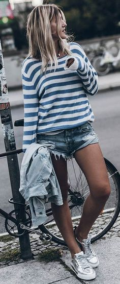 casual style addiction / stripped top shirt denim shorts silver sneakers